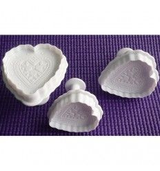 Set 3 cortapastas corazones con relieve